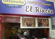 Se vende parrillada y restaurant en el mercado del puerto
