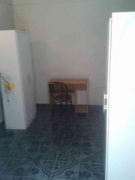 Habitacion amueblada con baño privado