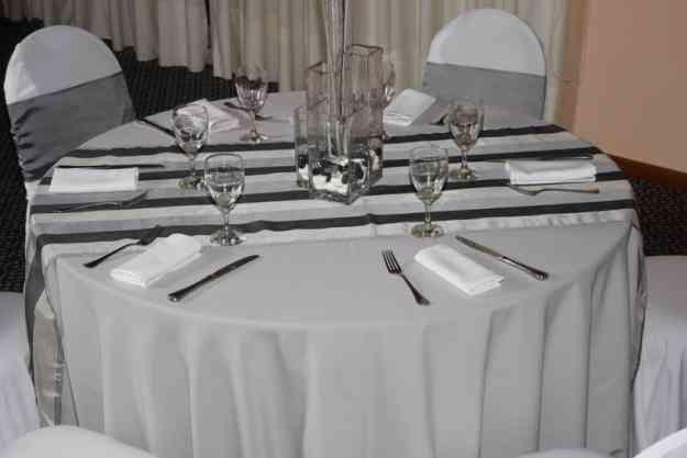 Alquiler de sillas mesas vajilla cristaleria manteleria for Sillas montevideo
